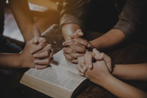 Read more about the article 10 Prayers to Pray for your Spouse